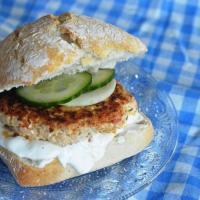 Burger grec et sa sauce façon Tzatziki