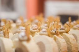 Paul BUNGERT(Chef Pâtissier du Restaurant Clairefontaine)«Légère comme un ocon»bavaroise vanille, crémeux cannelle, croustillant noisettes et spéculoos, topinambours et biscuit cuillère.