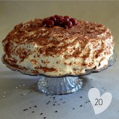 La FORÊT NOIRE : mon gâteau préféré de l'hiver et de mon anniversaire qui approche MA #RECETTE sur https://bit.ly/2R7YY7K