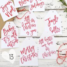 Des petites étiquettes à accrocher à vos cadeaux et à imprimer sur https://bydreamsfactory.com/2016/12/free-printable-christmas-gift-tags.html/