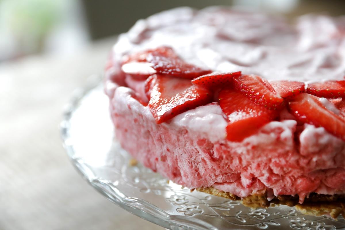 Gâteau glacé aux fraises